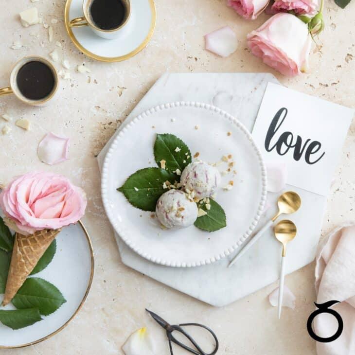 10786_WhiteChocolateRose_Love